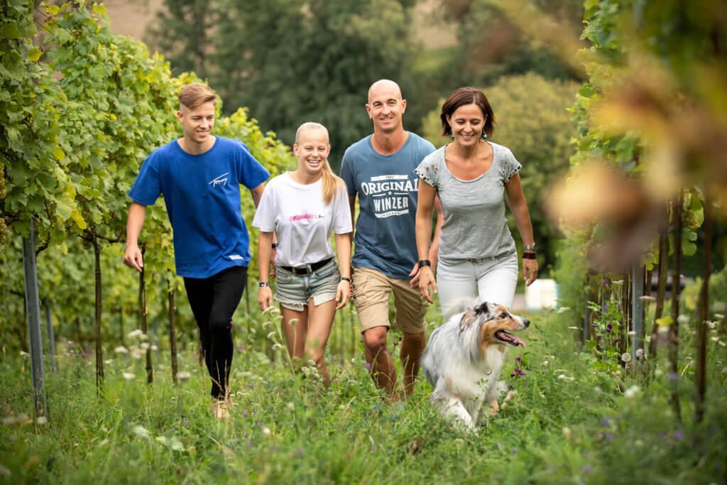 casa-amore-wein-armin-kienesberger-familie-hund-40-1024x683.jpg